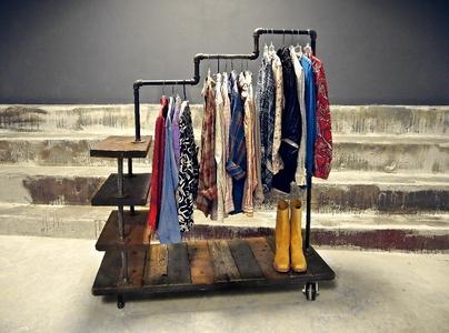 стойки напольные для одежды фото
